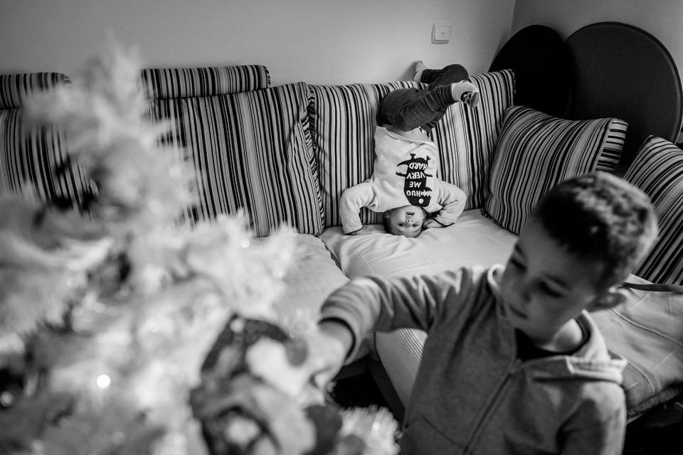fotografia-infantil-arbol-navidad-11