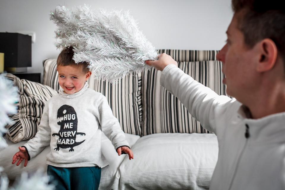 fotografia-infantil-arbol-navidad-2