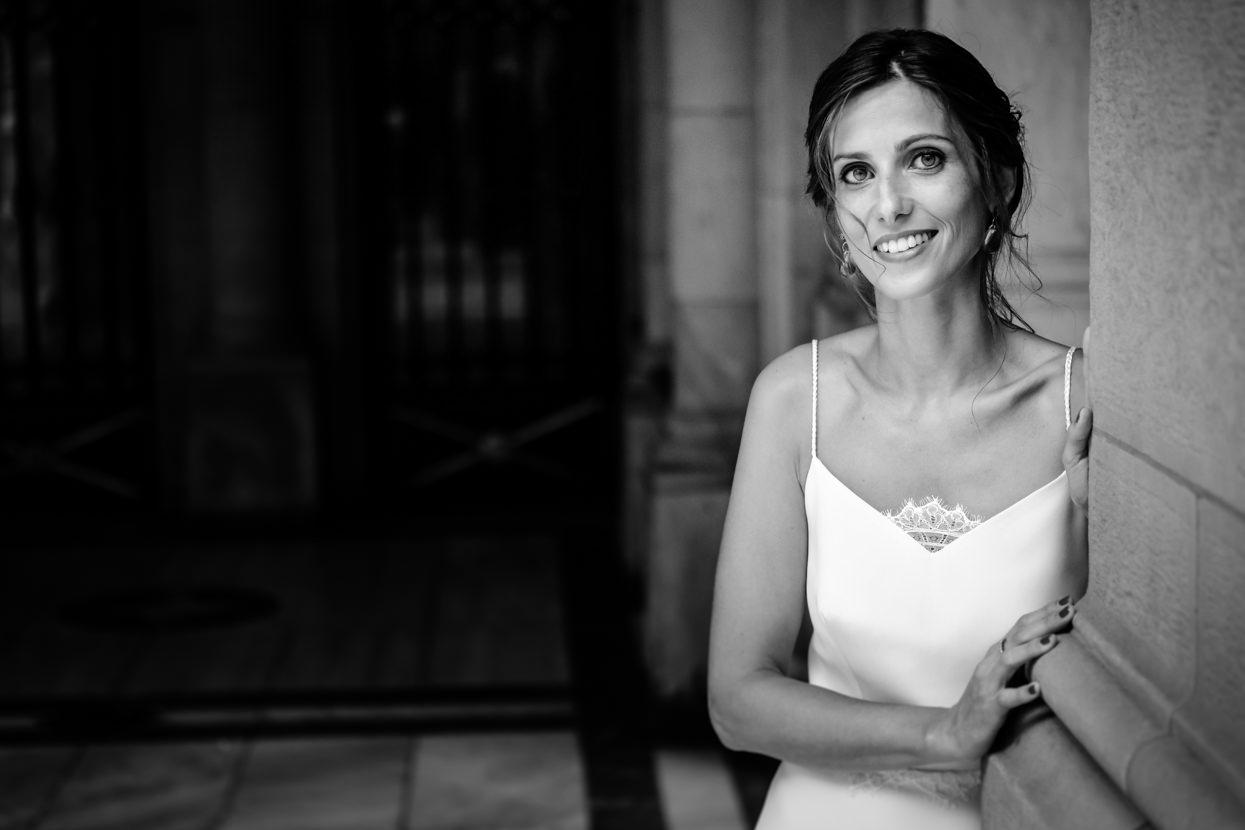 Retrato de novia de boda en Ayuntamiento de Donostia
