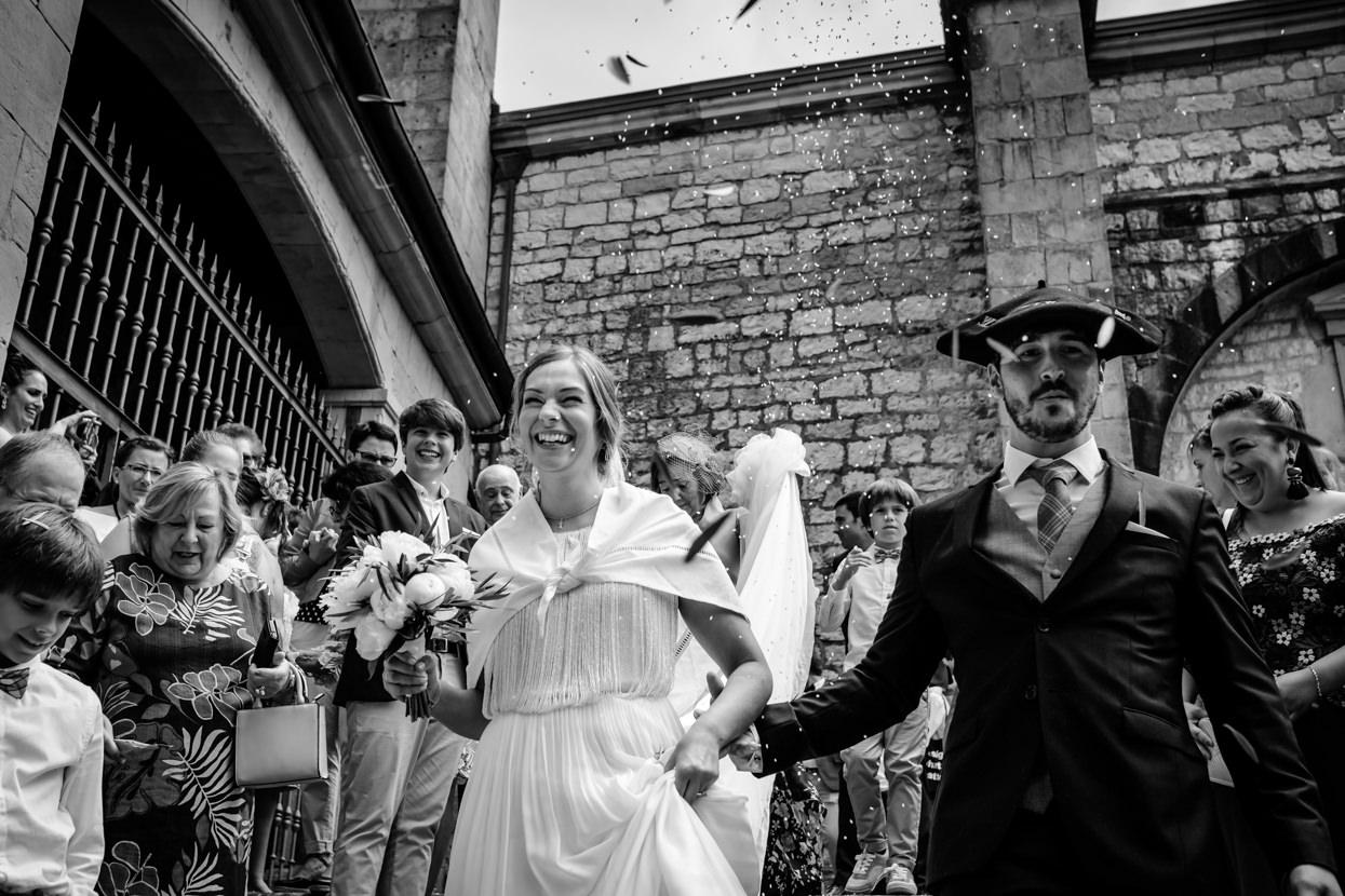 Arroz a la salida de ceremonia en boda