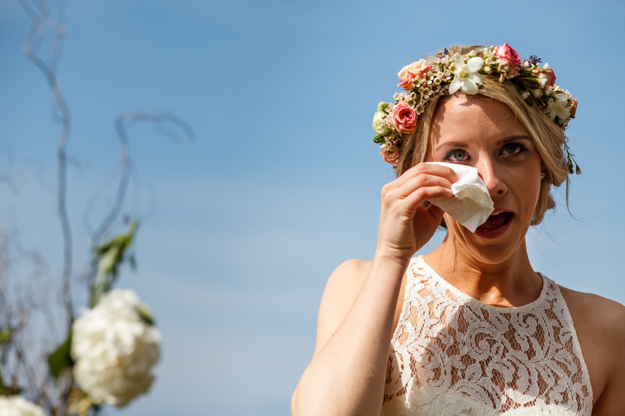 boda en igeldo novia emocionada