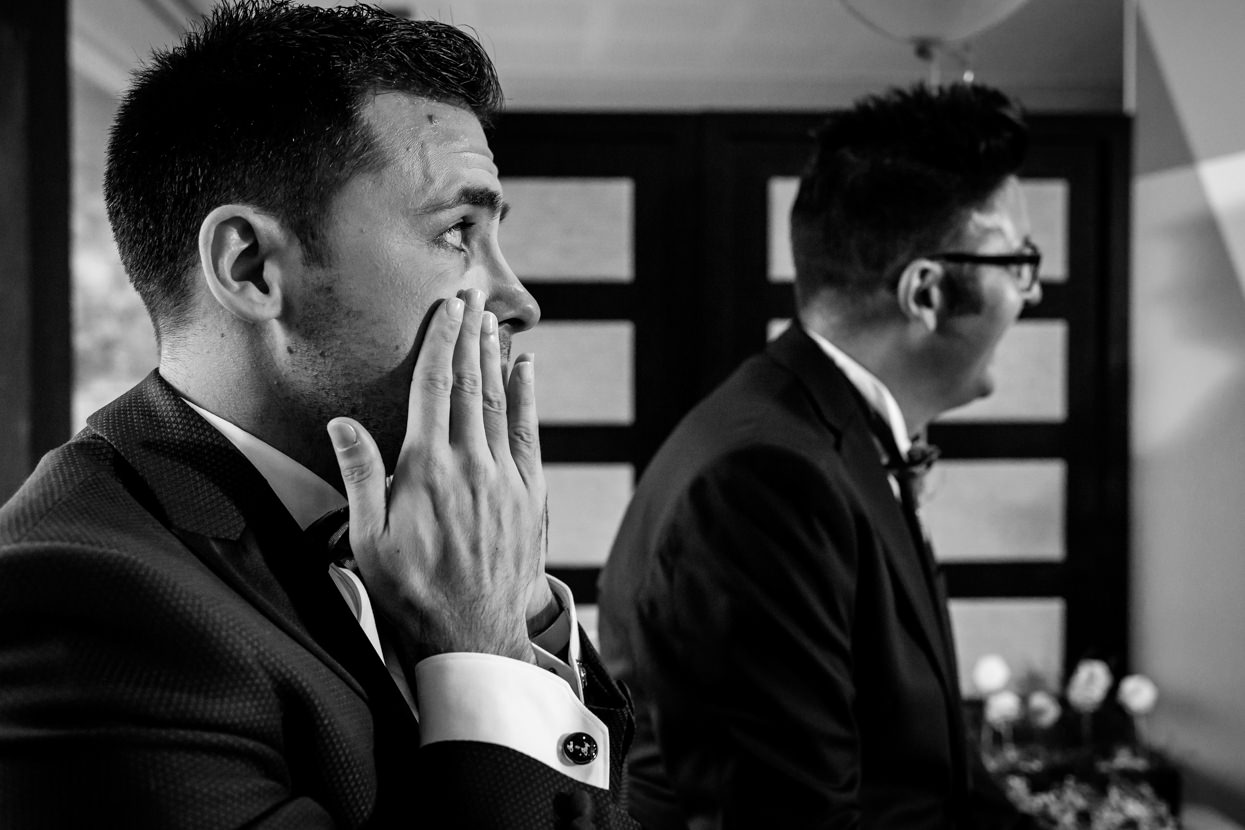 Novio emocionado en ceremonia de boda en el hotel balneario Elgorriaga