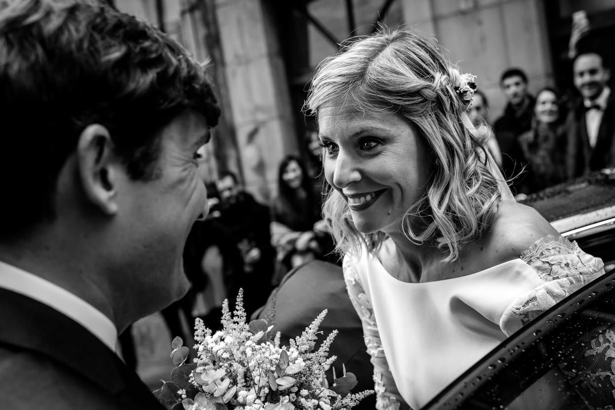 Ceremonia de boda en Hondarribia. Llegada de la novia