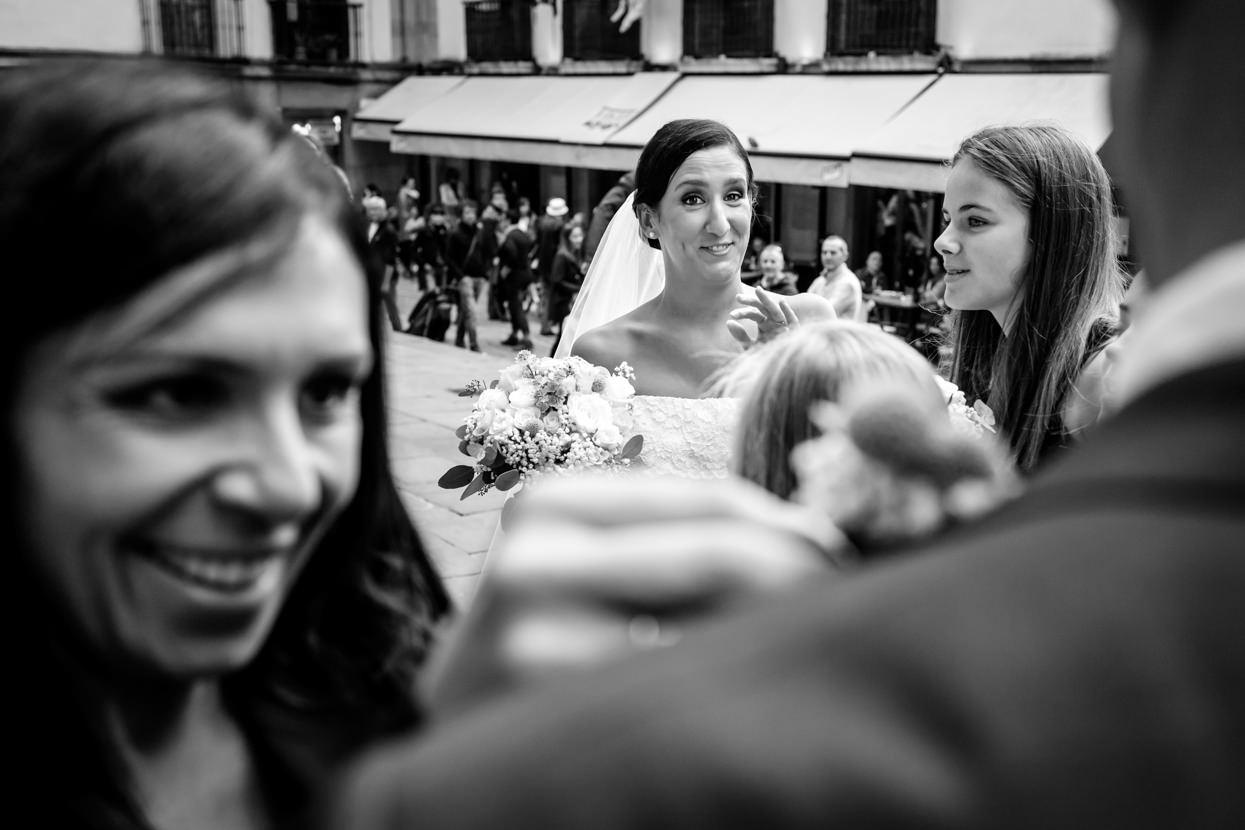 Fotógrafo de boda en Gipuzkoa. Novia feliz