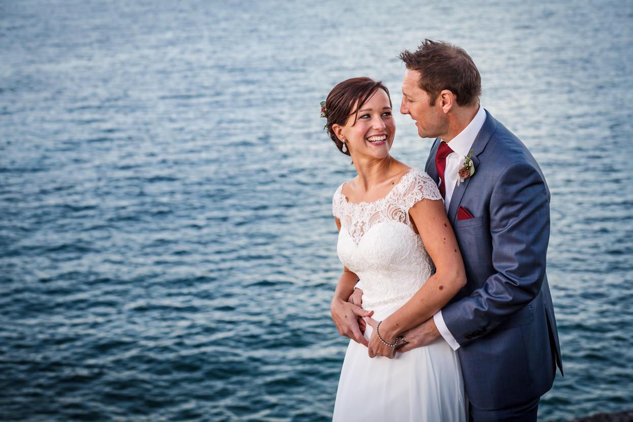 Foto de pareja de boda en el palacio Miramar