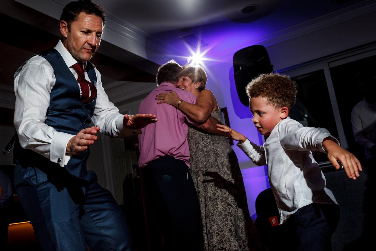 Novia baila en boda en Mirador de Ulia