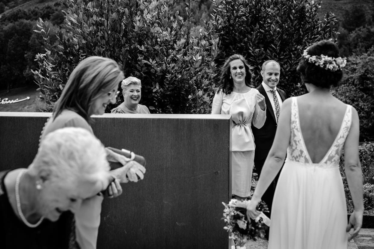 Boda en Yrisarri. Familia de la novia