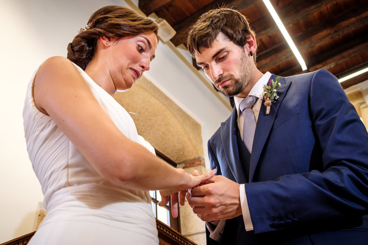 anillos de boda en ayuntamiento de hondarribia