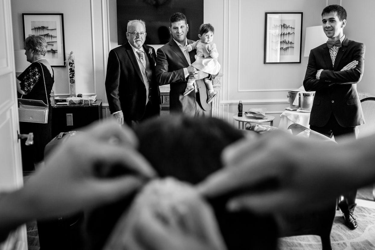 Preparativos de novia en boda en el hotel María Cristina. Invitados de boda