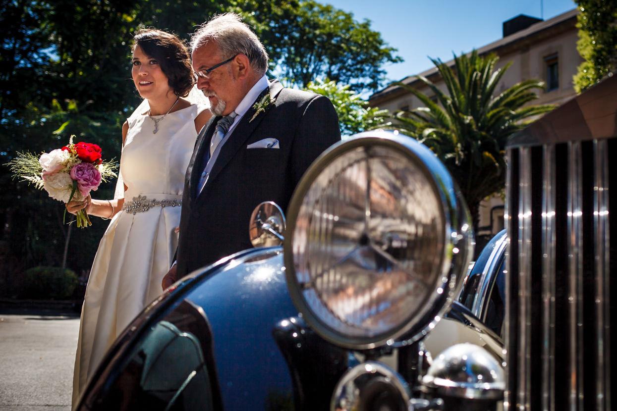 Novia y padre llega a ceremonia en San José de la Montaña