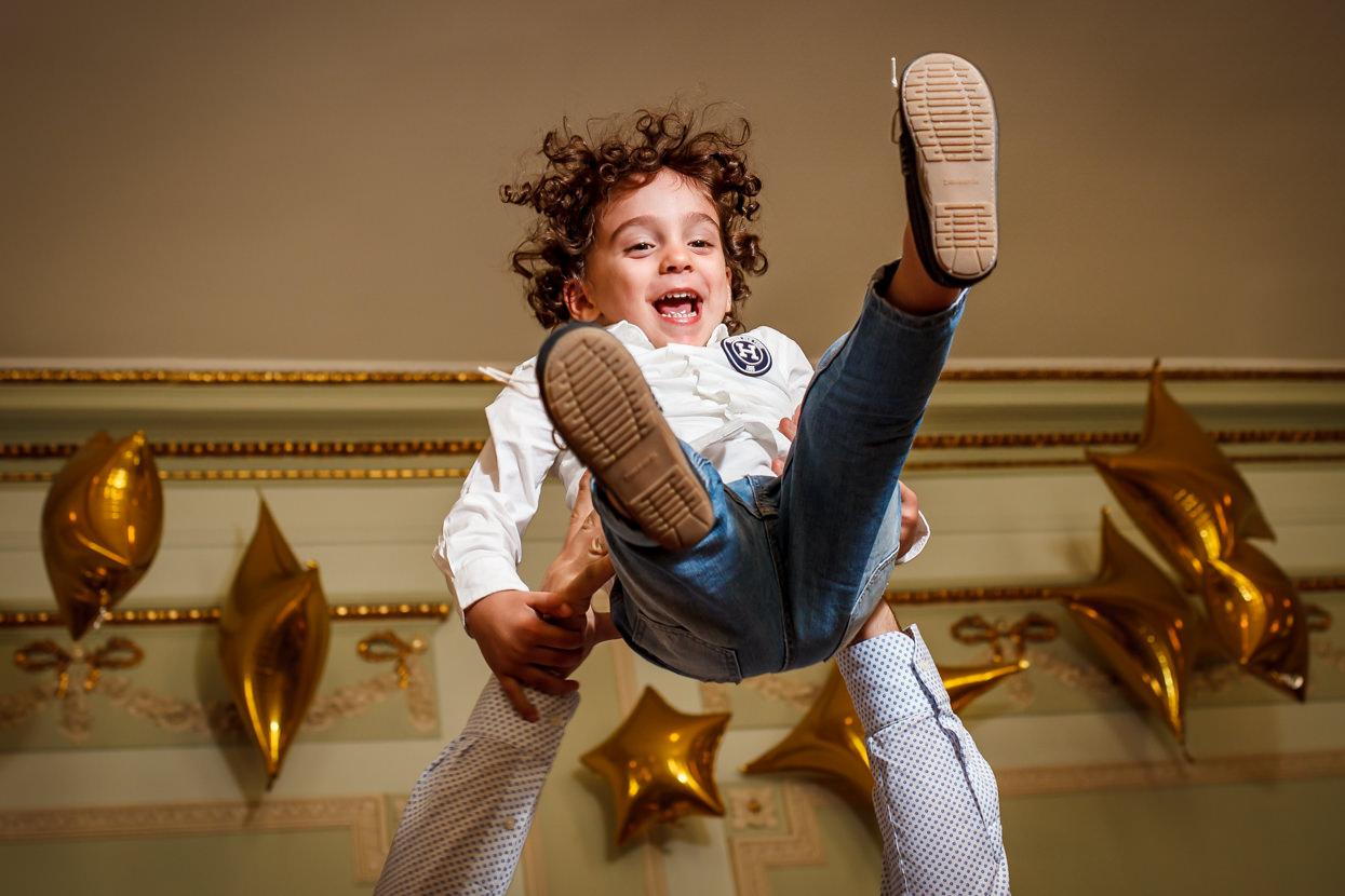 Niño en fiesta de boda en el hotel María Cristina