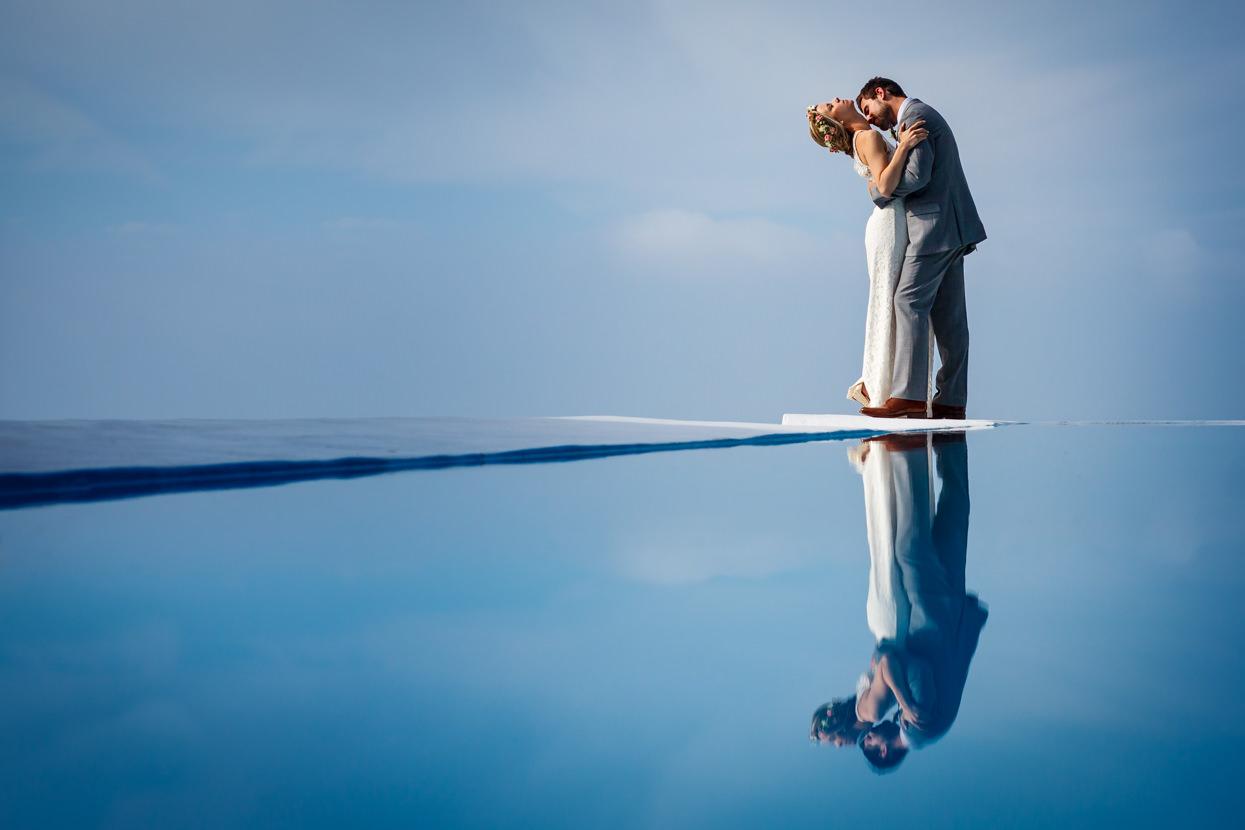 boda en igeldo foto de pareja en la piscina