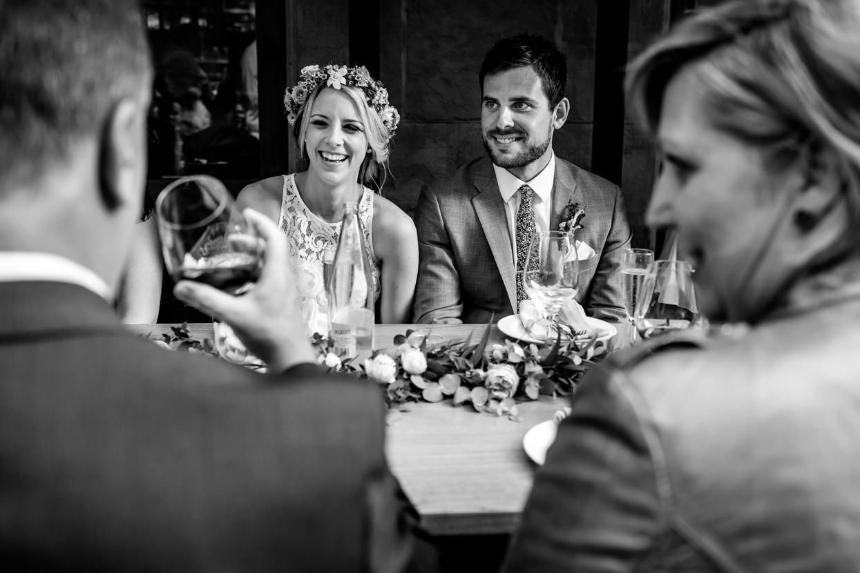 fotógrafo de boda en donostia cena en familia