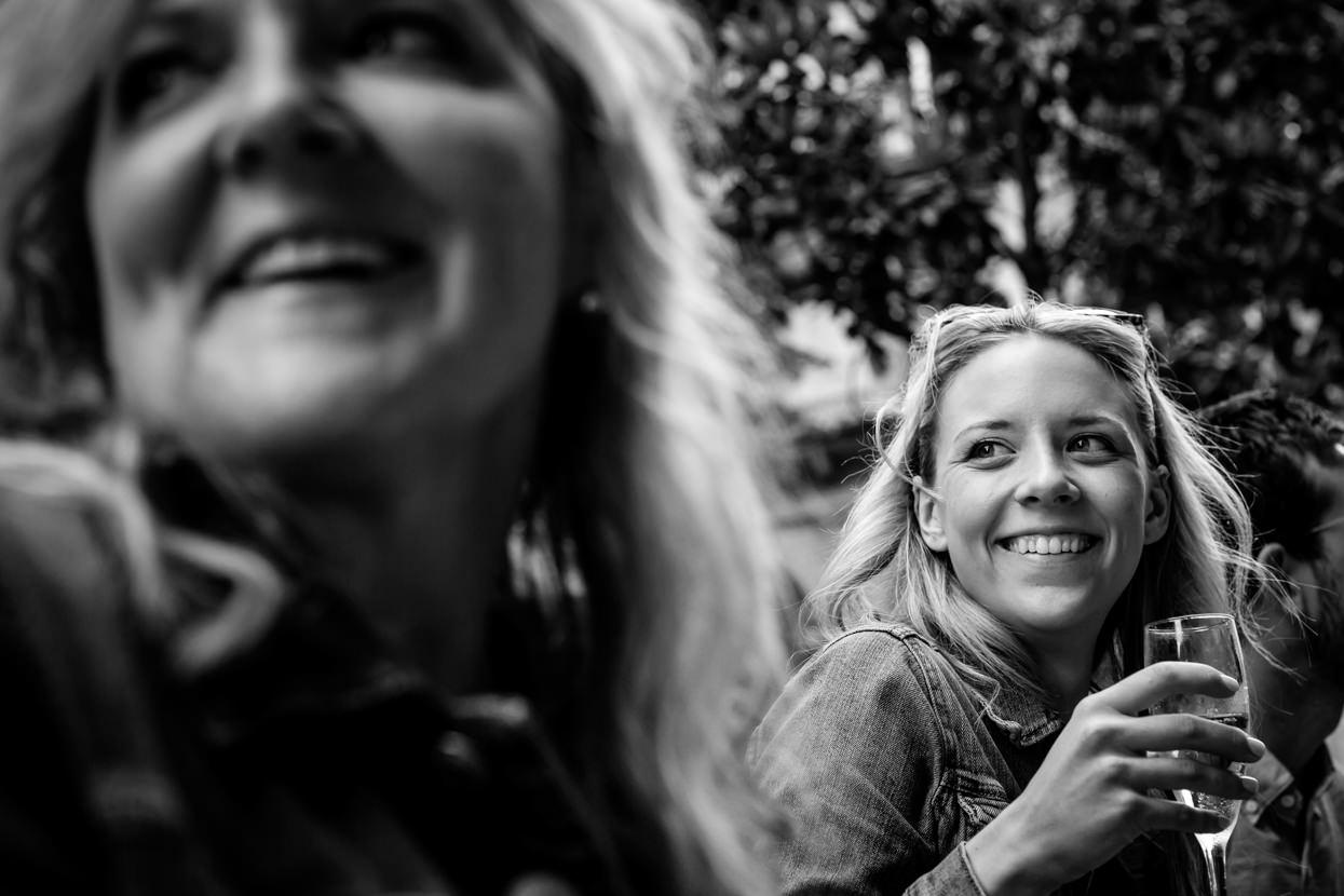 fotógrafo de preboda en donostia novia sonriente