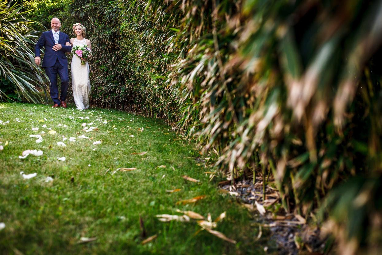 fotógrafo de boda en igeldo llega la novia
