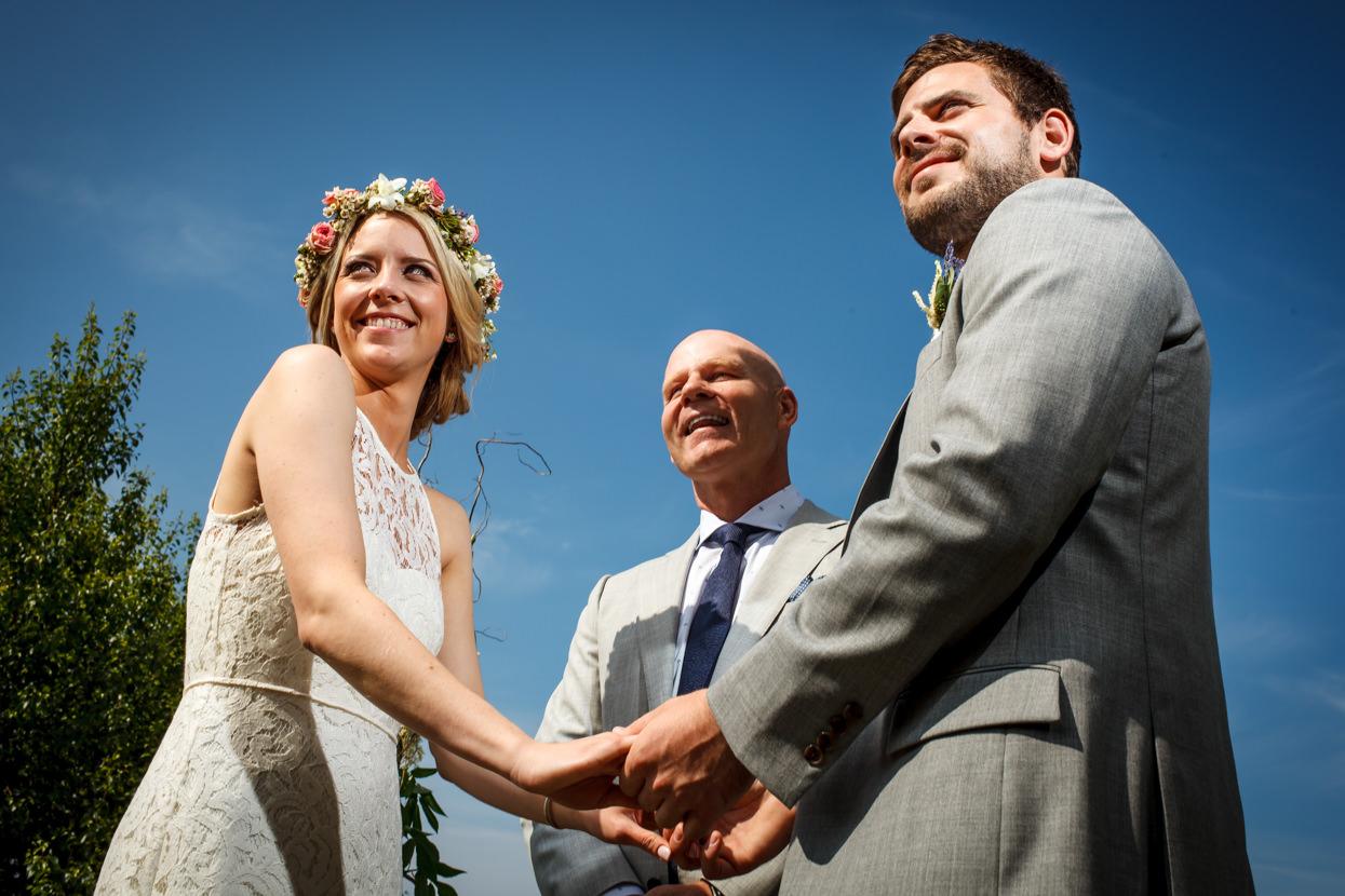 fotógrafo de boda en gipuzkoa novios en la ceremonia