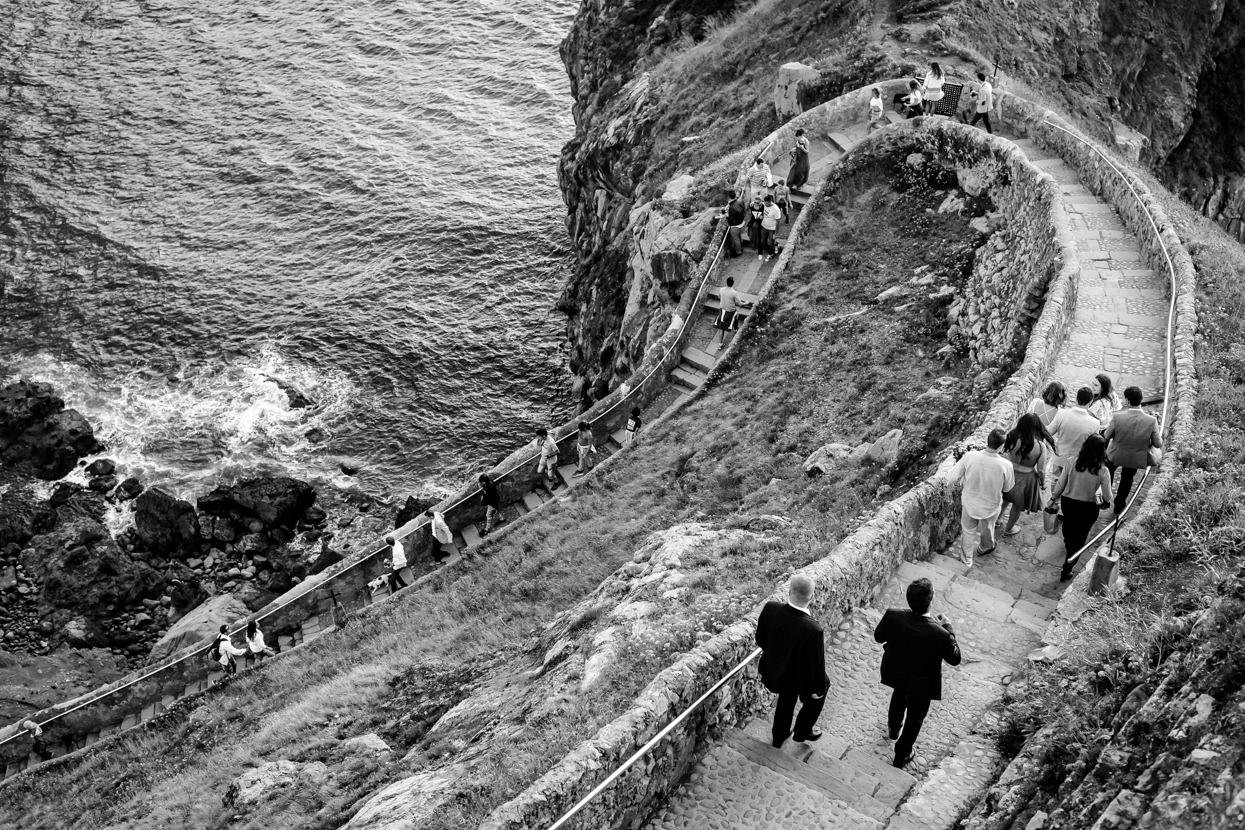 Destination wedding photographer in Gaztelugatxe