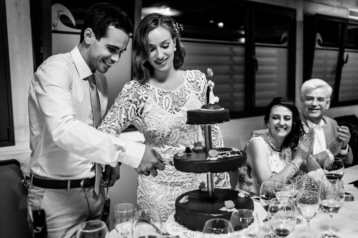 Corte de tarta de boda en Bizkaia