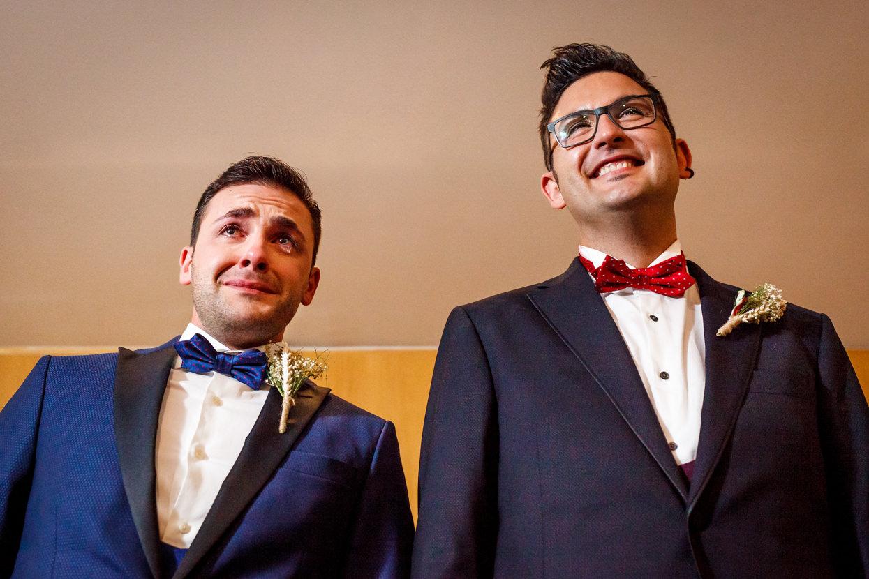 Emoción en aurresku de boda