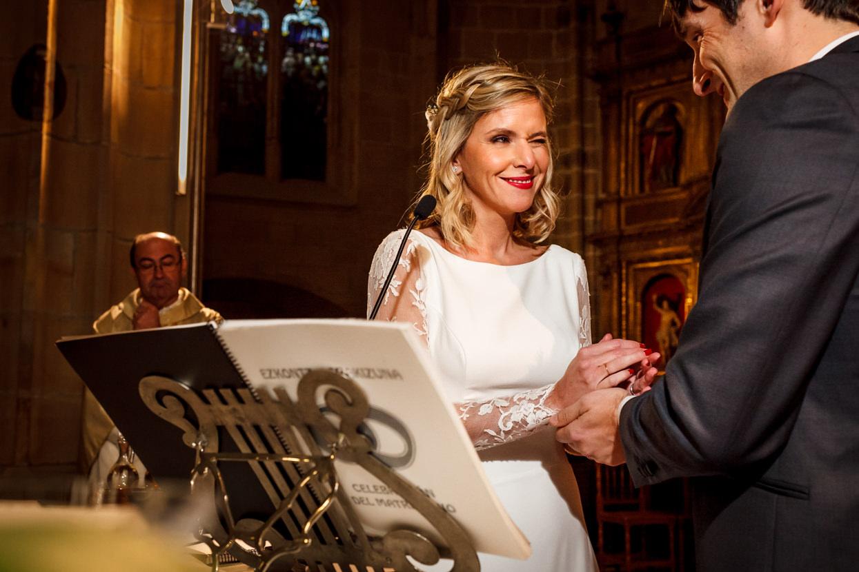 Arras en ceremonia de boda en Hondarribia