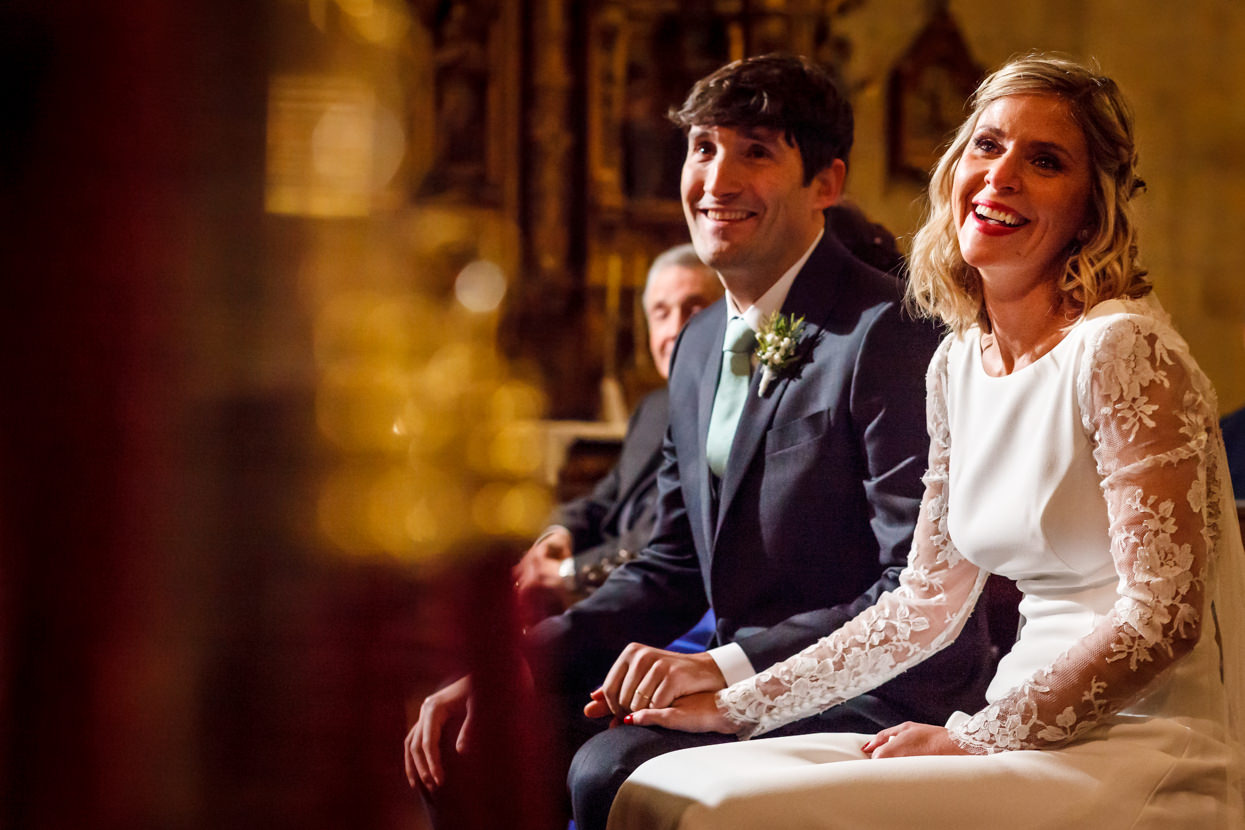 Lectura en ceremonia de boda en Hondarribia