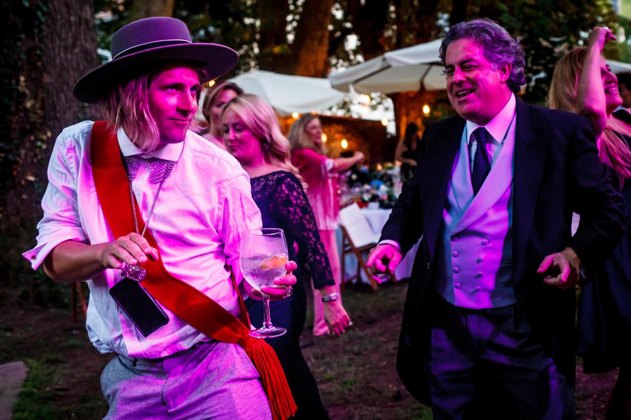 fotógrafo de boda en navarra baile de fiesta