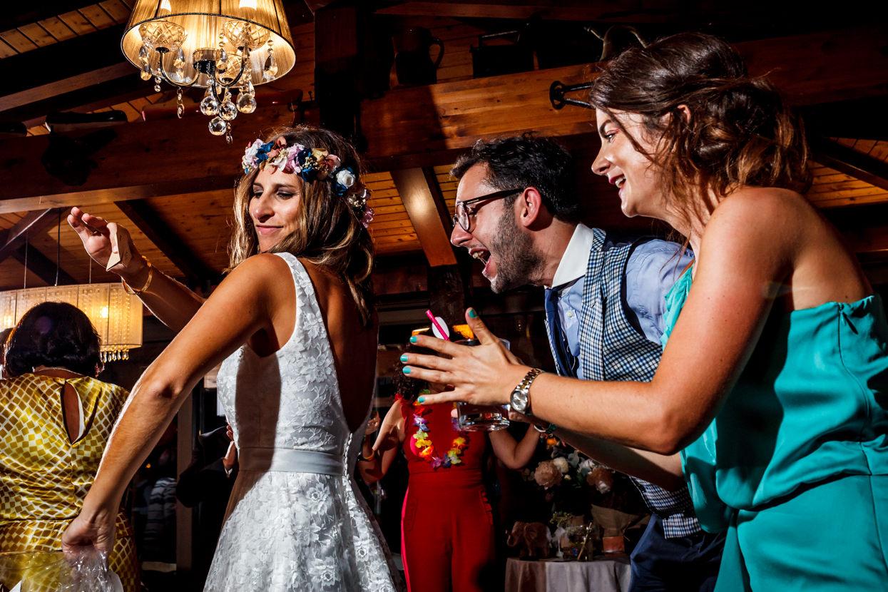 Baile de fiesta de boda en Bizkaia